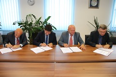 A contract for the purchase of nine sets of axle assemblies has been signed